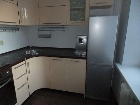 Варианты планировки угловой кухни с холодильником
