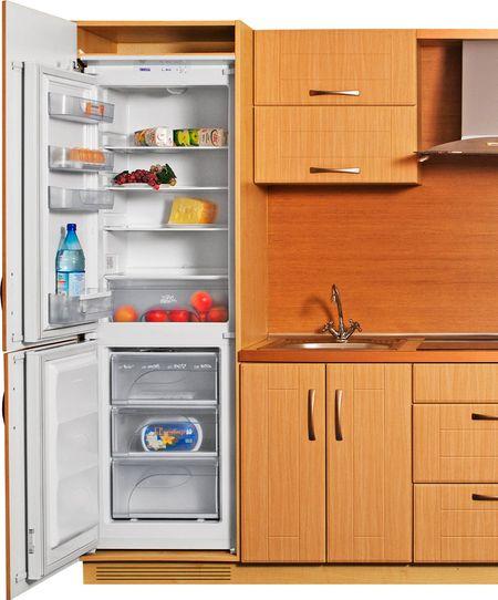 Встраиваемый холодильник Атлант 4307 на кухне