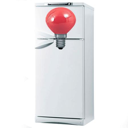 Лампа на холодильнике подает сигналы