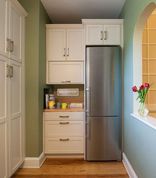 Холодильник в интерьере
