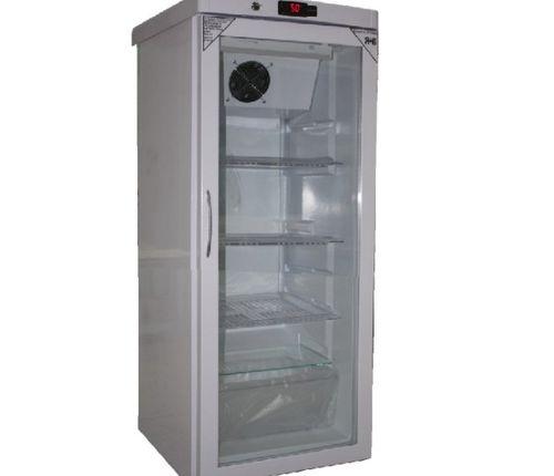 Высокий холодильник со стеклянной дверью