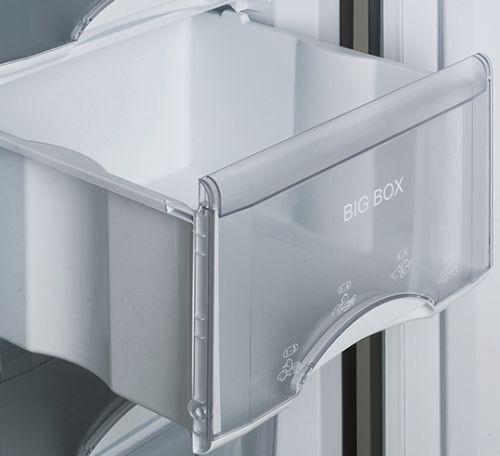 Ящик с откидной панелью в морозильнике