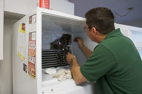 Замена испарителя в холодильнике Атлант