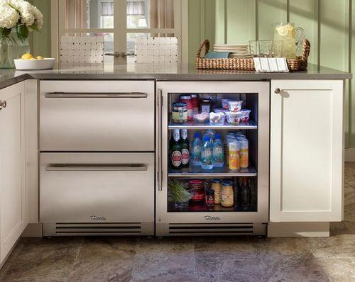 Встроенный мини холодильник